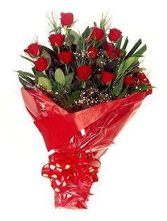 12 adet kirmizi gül buketi  Bursa çiçek gönderme
