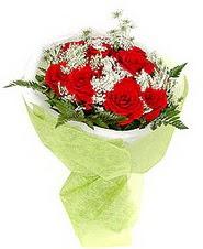Bursa yurtiçi ve yurtdışı çiçek siparişi  7 adet kirmizi gül buketi tanzimi