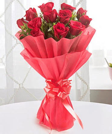 12 adet kırmızı gülden modern buket  Bursa çiçek servisi , çiçekçi adresleri