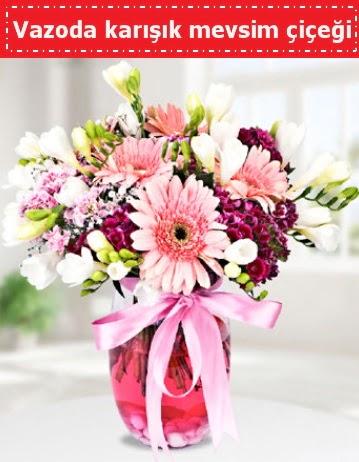 Vazoda karışık mevsim çiçeği  Bursa yurtiçi ve yurtdışı çiçek siparişi