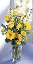 Bursa çiçek , çiçekçi , çiçekçilik  sari güller ve gerbera cam yada mika vazo