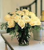Bursa çiçek gönderme sitemiz güvenlidir  11 adet sari gül mika yada cam vazo tanzim