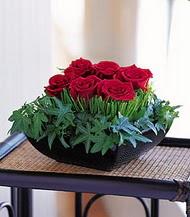 Bursa çiçek gönderme sitemiz güvenlidir  10 adet kare mika yada cam vazoda gül tanzim
