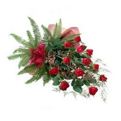 Bursa çiçek , çiçekçi , çiçekçilik  10 adet kirmizi gül özel buket çiçek siparisi