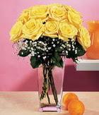 Bursa çiçek yolla  9 adet sari güllerden cam yada mika vazo