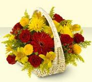 Bursa çiçek siparişi sitesi  sepette mevsim çiçekleri