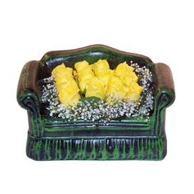 Seramik koltuk 12 sari gül   Bursa online çiçekçi , çiçek siparişi