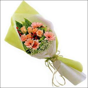 sade güllü buket demeti  Bursa İnternetten çiçek siparişi