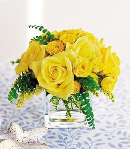 Bursa hediye çiçek yolla  cam içerisinde 12 adet sari gül