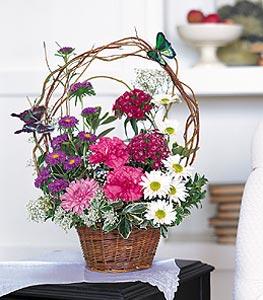 Bursa hediye çiçek yolla  sepet içerisinde karanfil gerbera ve kir çiçekleri