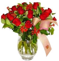 Bursa İnternetten çiçek siparişi  11 adet kirmizi gül  cam aranjman halinde