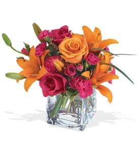Bursa online çiçek gönderme sipariş  cam içerisinde kir çiçekleri demeti