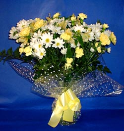 Bursa çiçek yolla , çiçek gönder , çiçekçi   sade mevsim demeti buketi sade ve özel