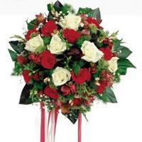 Bursa online çiçekçi , çiçek siparişi  6 adet kirmizi 6 adet beyaz ve kir çiçekleri buket