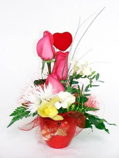Bursa online çiçekçi , çiçek siparişi  cam içerisinde 3 adet gül ve kir çiçekleri