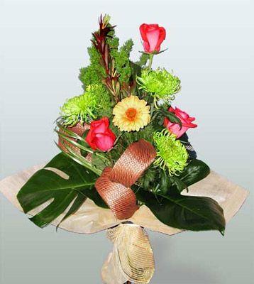 Bursa online çiçekçi , çiçek siparişi  3 adet gül 4 adet gerbera çiçegi sade buket