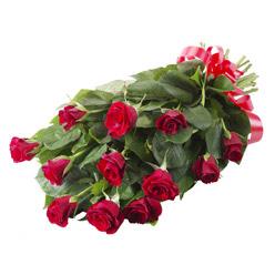 11 adet kirmizi gül buketi  Bursa uluslararası çiçek gönderme