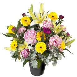 karisik mevsim çiçeklerinden vazo tanzimi  Bursa çiçekçi mağazası