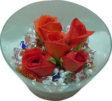 Bursa çiçek siparişi sitesi  5 adet gül ve cam tanzimde çiçekler