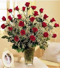 Bursa yurtiçi ve yurtdışı çiçek siparişi  özel günler için 12 adet kirmizi gül