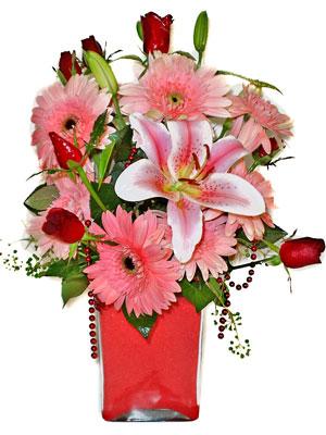 Bursa ucuz çiçek gönder  karisik cam yada mika vazoda mevsim çiçekleri mevsim demeti