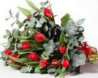 Bursa güvenli kaliteli hızlı çiçek  11 adet kirmizi gül buketi özel günler için
