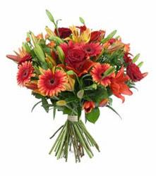 Bursa çiçek mağazası , çiçekçi adresleri  3 adet kirmizi gül ve karisik kir çiçekleri demeti