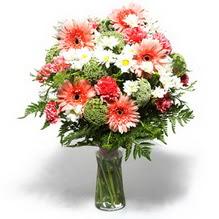 Bursa çiçek gönderme  cam yada mika vazo içerisinde karisik demet çiçegi