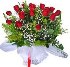 Bursa güvenli kaliteli hızlı çiçek  12 adet kirmizi gül buketi esssiz görsellik