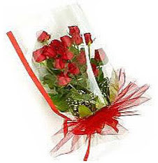 13 adet kirmizi gül buketi sevilenlere  Bursa çiçek satışı