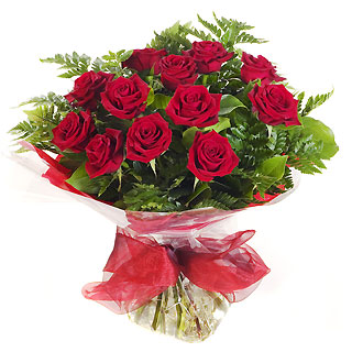 Ucuz Çiçek siparisi 11 kirmizi gül buketi  Bursa internetten çiçek siparişi