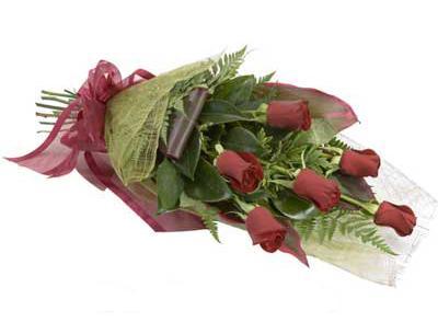 ucuz çiçek siparisi 6 adet kirmizi gül buket  Bursa çiçek gönderme sitemiz güvenlidir