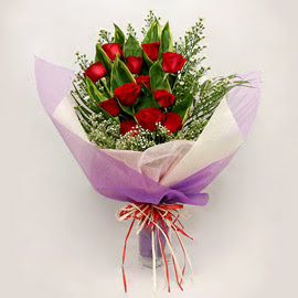 çiçekçi dükkanindan 11 adet gül buket  Bursa İnternetten çiçek siparişi