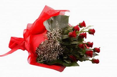 Bursa çiçek gönderme sitemiz güvenlidir  11 adet kirmizi gül buketi çiçekçi