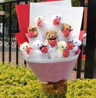 Bursa çiçek satışı  9 adet ayicik ve 9 adet yapay gül