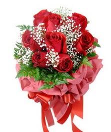 9 adet en kaliteli gülden kirmizi buket  Bursa çiçek siparişi vermek