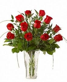 cam yada mika vazo içerisinde 9 kirmizi gül  Bursa çiçek gönderme sitemiz güvenlidir