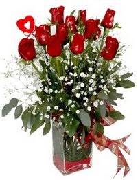 Bursa çiçek satışı  9 adet mika yada cam vazoda gül tanzimi kalp çubuk