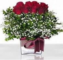 Bursa çiçek yolla  mika yada cam vazo içerisinde 7 adet gül