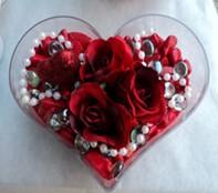 Bursa ucuz çiçek gönder  mika kalp içerisinde 3 adet gül ve taslar