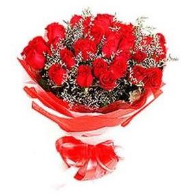 Bursa online çiçek gönderme sipariş  12 adet kırmızı güllerden görsel buket