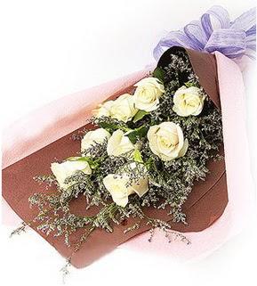 Bursa ucuz çiçek gönder  9 adet beyaz gülden görsel buket çiçeği