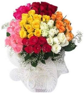 Bursa kaliteli taze ve ucuz çiçekler  51 adet farklı renklerde gül buketi