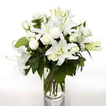Bursa çiçek online çiçek siparişi  1 dal cazablanca 7 adet beyaz gül vazosu
