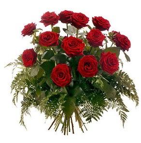 Bursa çiçek yolla  15 adet kırmızı gülden buket