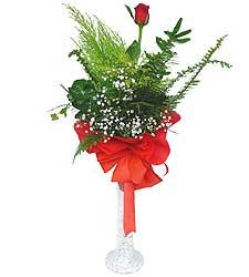 Bursa internetten çiçek satışı  Cam vazoda masum tek gül