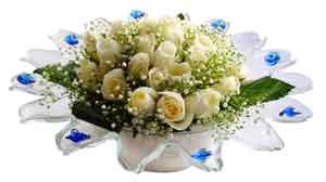 Bursa internetten çiçek siparişi  11 adet Beyaz güller özel cam tanzim