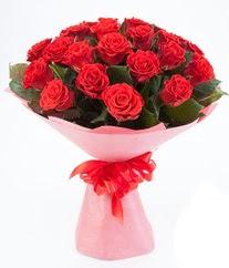 15 adet kırmızı gülden buket tanzimi  Bursa çiçek gönderme sitemiz güvenlidir