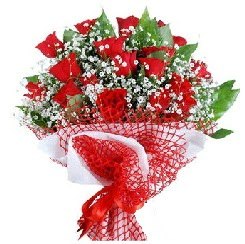 11 kırmızı gülden buket  Bursa çiçek siparişi sitesi