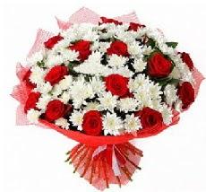11 adet kırmızı gül ve 1 demet krizantem  Bursa online çiçek gönderme sipariş